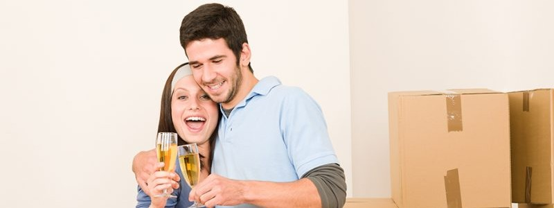 young couple preparing for a house relocation
